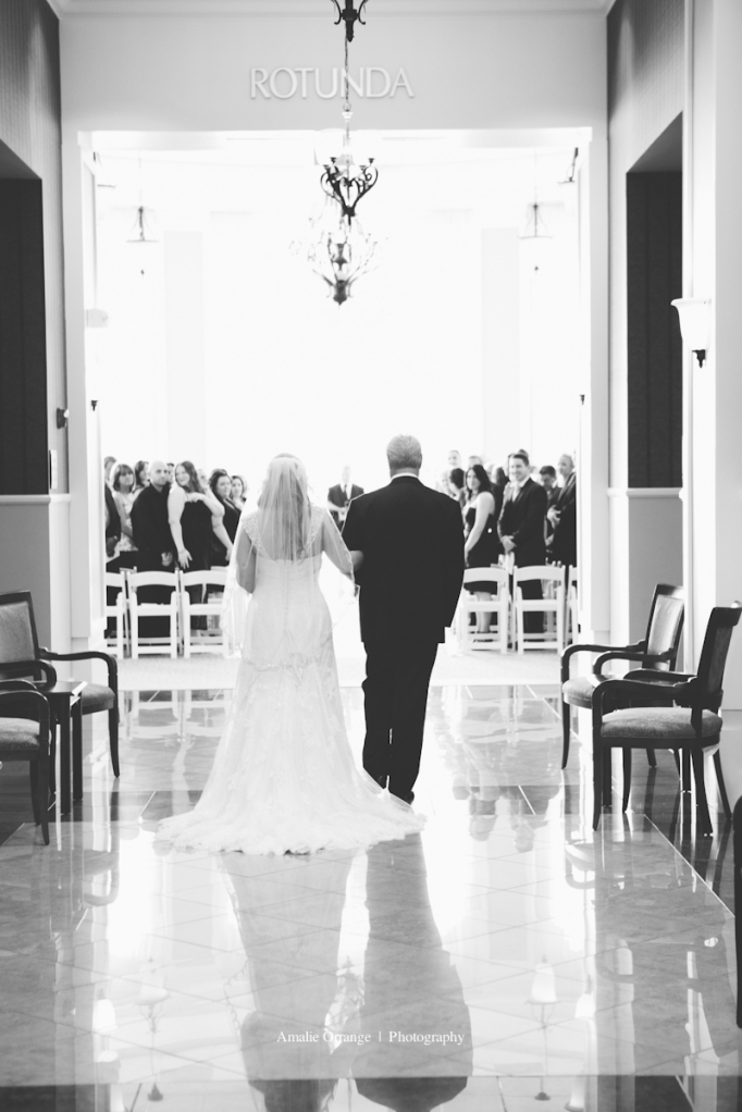 Wedding, Bride walking down the aisle with her dad