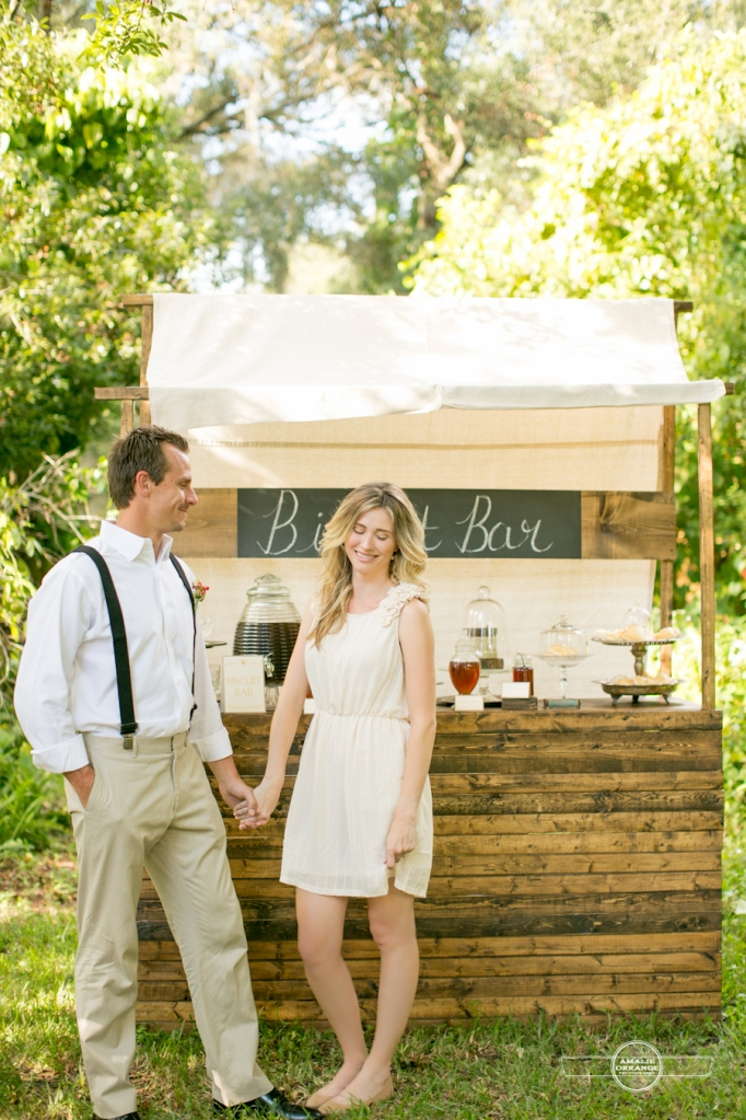 Southern wedding biscuit and honey bar