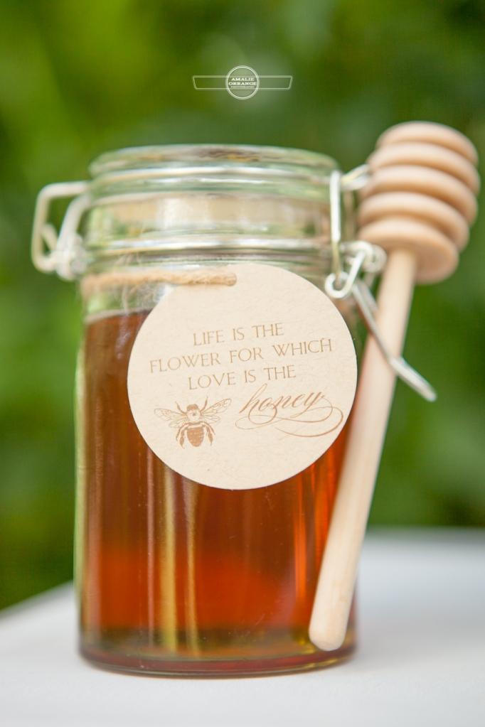 Honey mason jar wedding favor